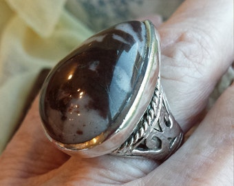 Sterling silver Jasper (Chalcedony) browns large pearshaped ring
