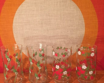 Vintage Strawberry Glasses, Set of 4 - 2 Styles, Glassware with Strawberries, Retro Tumblers, Water Glasses, Strawberries and Flowers