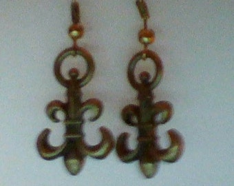 Antique Gold Fleur-de-lis earrings