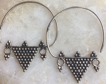 Silver hoop-style earrings - Nubian nosering design - pyramid - tribal - bedouin