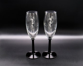 Bride and Groom Toasting Glasses, His and Hers, Champagne Flutes, Champagne Glasses, Wedding Champagne Flutes, Bride and Groom Glasses