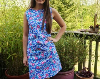 Women's blue floral print dress