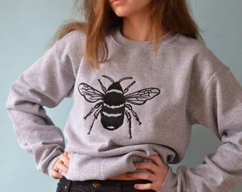 Embroidered Big Bee grey sweater