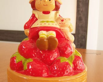Vintage 1980s Collectible Strawberry Shortcake Spinning Music Box – Musical Figurine