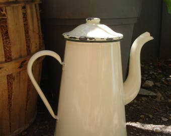 French vintage enamel coffee pot, cream with green trim, French vintage enamelware, caftière en émail ancien