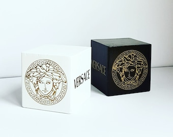 Wooden weights for balloons with Versace logo and Medusa Gold