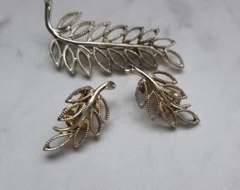 Vintage Goldtone Leaf Brooch and  Clip-on Earring Set