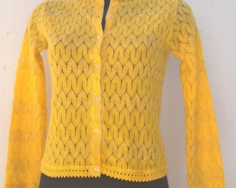 Vintage yellow cardigan Size 36 FR