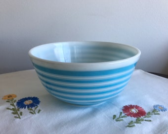PYREX Blue Rainbow #403 2.5 qt