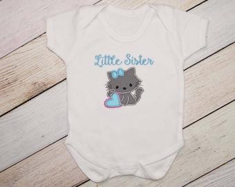 Personalized Little Sister Kitty Shirt - Appliqué Pregnancy Announcement Shirt - Baby Announcement - Pregnancy Reveal - Sibling Shirt