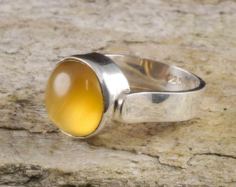 Size 7.75 AMBER Ring Sterling Silver Bezel Ring - Natural Amber Stone Cabochon J666
