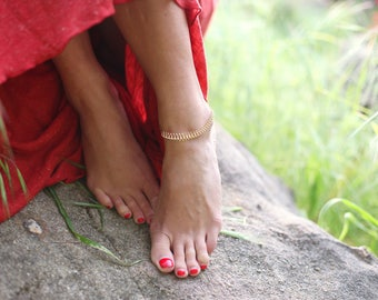 Gold Fishbone Anklet, Gold Chain Anklet, Gold jewelry, bohochic, bohemian, Coachella festival style, minimalist, beachwear, swim jewelry
