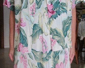 Vintage Kaua'iana Two-Piece Short Mu'umu'u/Hawaiian Dress-Jacket Ensemble with Mother-of-Pearl Buttons / Size Medium