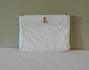 1970s Ande White Leather Flex Frame Clutch