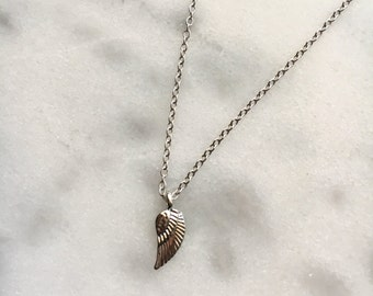 Mini Dainty Silver FEATHER Charm Pendant Necklace
