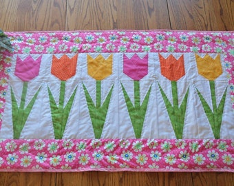 Pattern: Paper Piece Tulips Table Runner or Wall Quilt