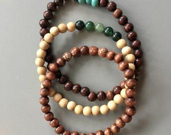 Bracelet in wooden Beads with gemstones