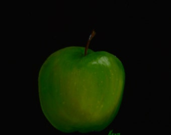 Green apple  paintings of apples  granny smith  kitchen decor  still life paintings  enhanced print