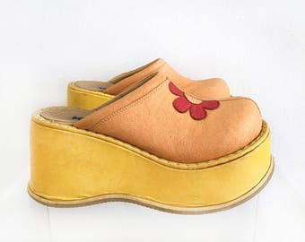 Chunky Platform Flower Brown Yellow Clogs Size 8