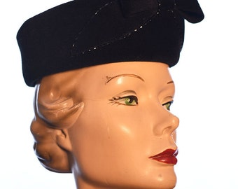 Vintage 1960s Pillbox Hat with Bow