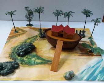 MARX 1960 Noah's Ark Toy Set. 1960's Vintage.    96 Animals,  8 Trees,  6 Rocks,  7  People