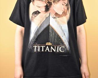 90s Titanic Leo Dicaprio Kate Winslet Vtg Vintage Graphic T-Shirt Film Movie Rap Tee