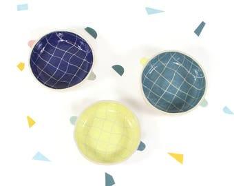 C O U P E L L E / / Cup decorated background checkered Plaid / ear Breton lug Bowl / cookie serving / sweets / ice cream / bowl