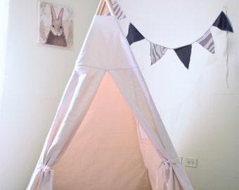Ready to ship Canvas Kids Teepee / Kids Play Tent / Wood pole included / Tipi / Tepee set / Teepee / Tent / Tepee / Teepee kids