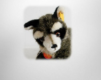 Steiff Raggy stuffed racoon with button in ear
