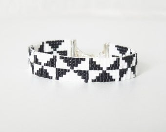 BLACK and white clasp silver triangles hand woven bracelet