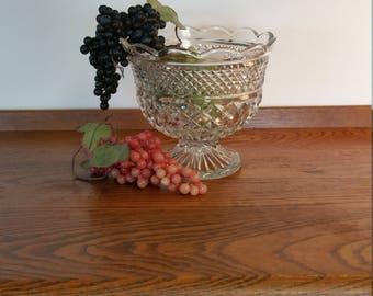 Vintage Mid Century WEXFORD Pedestal Bowl Fruit Bowl Serving Dish Anchor Hocking Glass