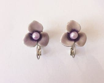 Vintage 1950's Lilac Purple Enamel 3 Petal Flower Hinged Leverback Latch Back Clip On Earrings