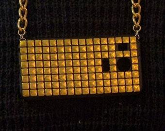 Gold Pyramids Phonechainz