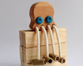 Octopus in wood and bamboo harvested locally with ecological oil finish