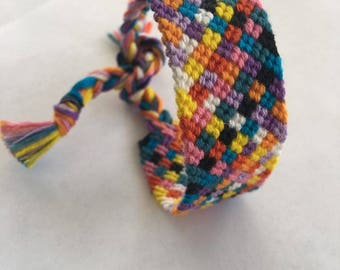 Friendship Bracelet: Confetti
