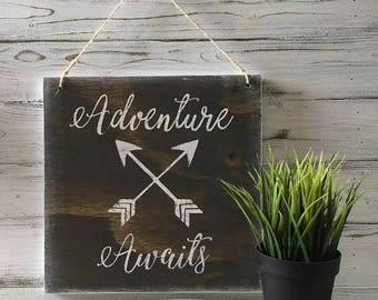 Adventure awaits wall decor / Wall hanging with adventure awaits / Wall decor for hikers