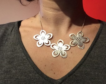 Beautiful sterling silver Flower necklace