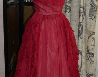 Stunning rare red 1950s vintage ballgown / dress size 8