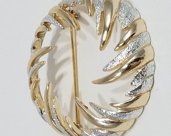 Beautiful Sarah Coventry Reverse Starburst Gold/Silver Ton Brooch