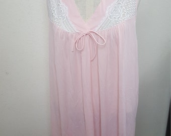 Gorgeous Vintage nightgown