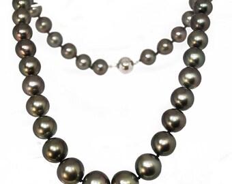 Collier en perles noires de Tahiti
