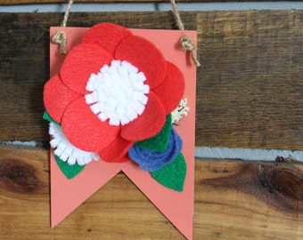 Wooden Mini Wall Hanging