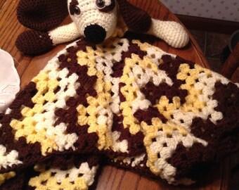 Puppy cuddle blanket