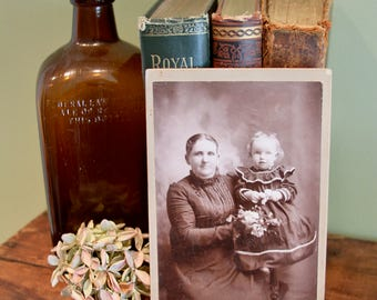 Antique Cabinet Card Photo. Mother and Child, Late 1800s. Collectible Photo, Scrapbooking, Art Supply, Antique Collection, Antique Photo