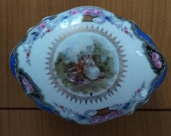 Antique German porcelain box / Prussia. Trinket Box