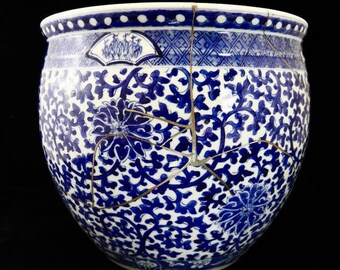 Kintsugi Pure Silver Repaired Qing dynasty, Blue and White Jardinere 金童纯银修复清代,蓝白色珍珠