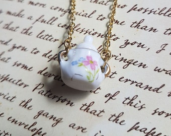 The Dolls House - Small Sugar Bowl Short Necklace (Pink Flower)
