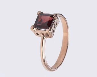 Small Garnet Ring - Square Ring - Gold Garnet Ring - Rose Gold Ring - Gold Ring with Garnet - Gold Garnet Ring - Petite Ring - Gemstone Ring