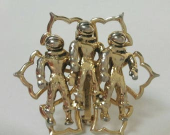 Vintage gold tone astronaut brooch/pin