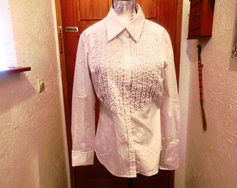 A white bib and striped pink blouse / brand Alain Manoukian / 80